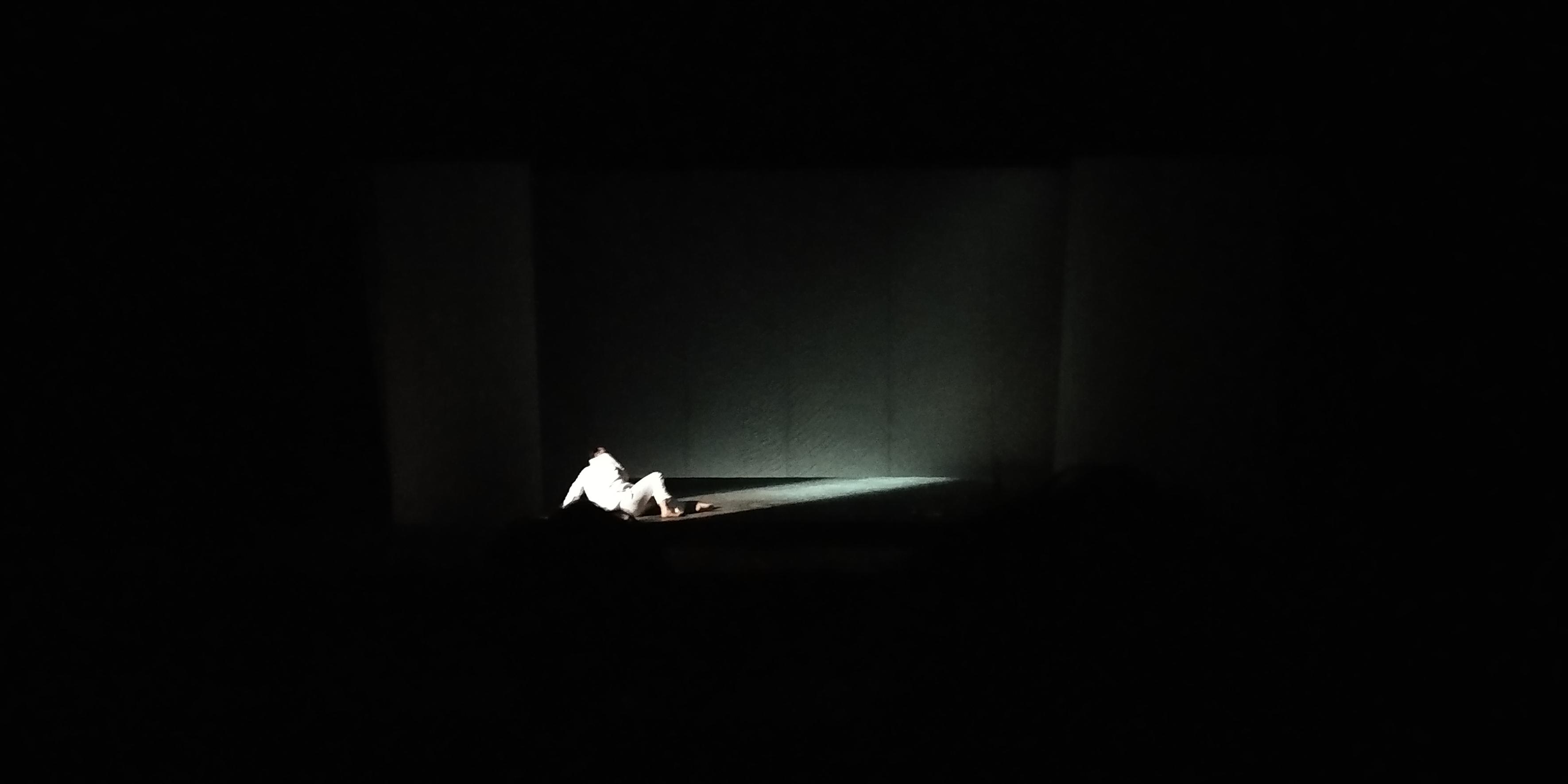 l'odore assordante del bianco, Teatro Gesualdo Avellino.